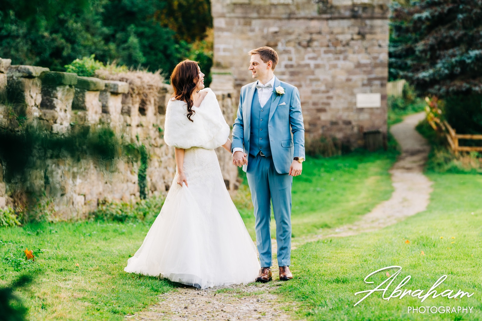 Top 10 Tips For The Best Wedding Photos