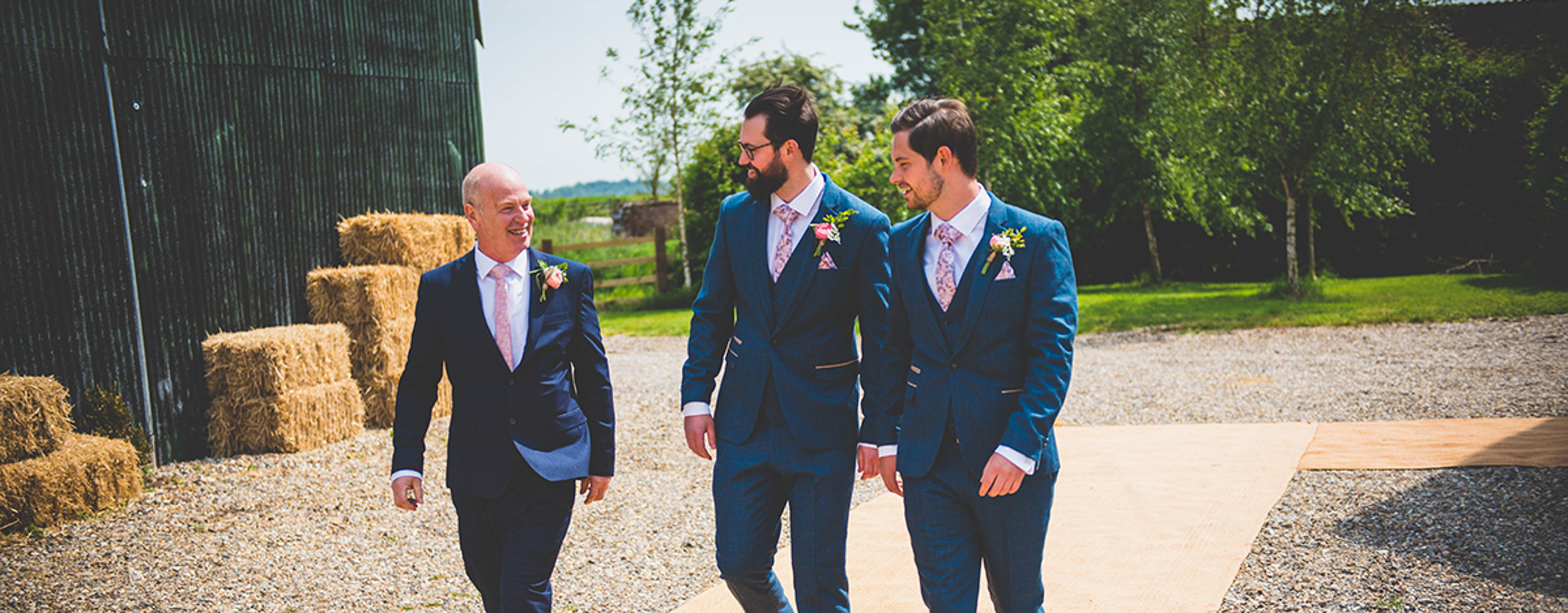 East-Yorkshire-Wedding-Photographer-The-Barns-Weddings-Goole-Hull-Abraham-Photography-02